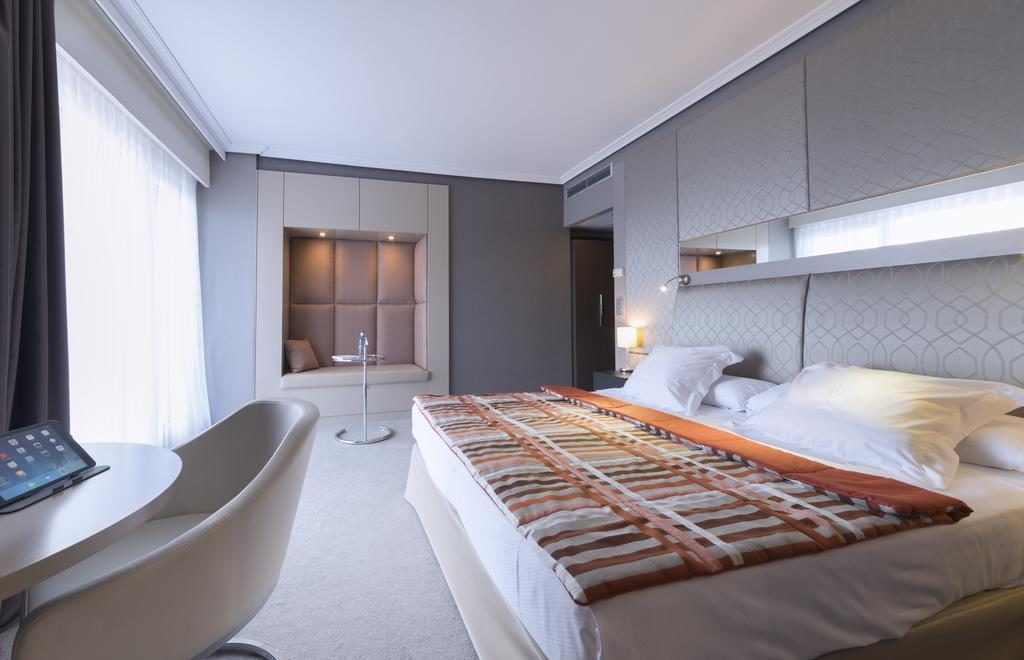 Esta imagen tiene un atributo ALT vacío; su nombre de archivo es habitacion-doble-ventanal-hotel-mercure-monte-igueldo-donosti-san-sebastian-1024x660.jpg