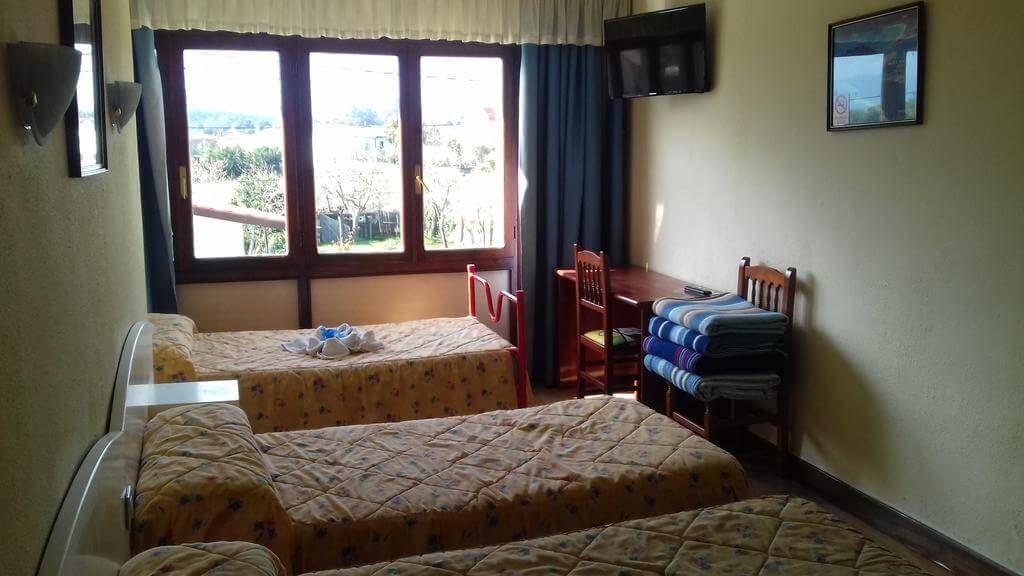 Esta imagen tiene un atributo ALT vacío; su nombre de archivo es hotel-solymar-habitacion-argonos-cantabria-1024x576.jpg