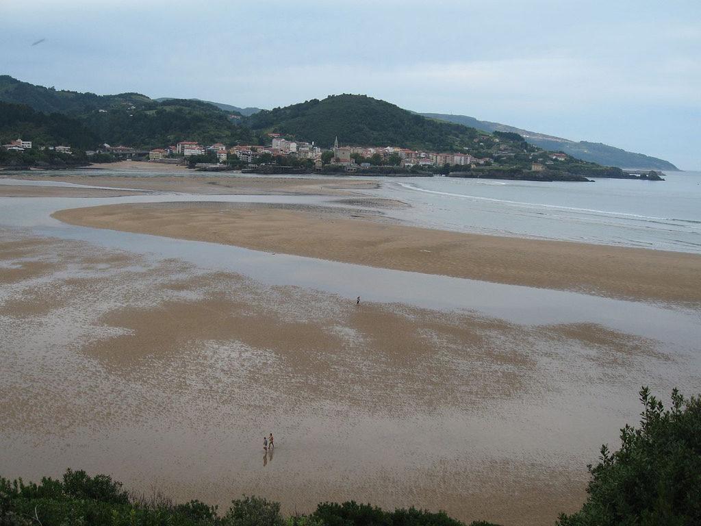 Esta imagen tiene un atributo ALT vacío; su nombre de archivo es playa-laida-gernika-1024x768.jpg