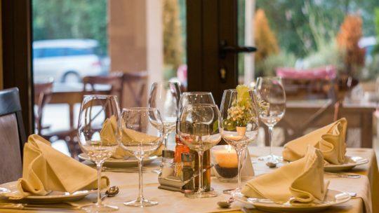 Qué tiene que tener un restaurante para cena de empresa