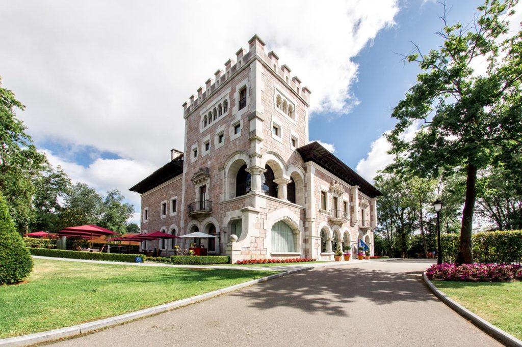Hotel Castillo Bosque de la Zoreda. Escapadas románticas para regalar estas navidades